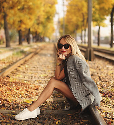 Silvia P. - Guess? Coat, Bershka Shoes, Zerouv Sunnies, Dkny Watch - Vivid