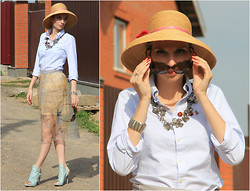 Lise Kapris - Pinko Heels, Ralph Lauren Shirt, Guess? Skirt - Retro Romantic Girl