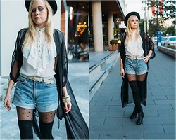 Hayley Evans - American Apparel Belt, Aldo Studded Boots, Salbacandco Vintage Denim Shorts - Shades of Autumn