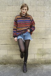 Annie Honey Mac - Vintage Jumper, Levi's® Shorts, Dr. Martens Boots - Rainbow Jumper