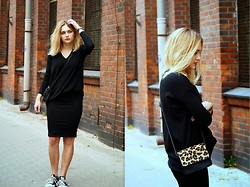 Maryla Wie - Zara Sweater, H&M Skirt, Converse Trainers, Zara Bag - Keep it simple