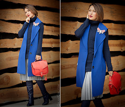 Galant-Girl Ellena - Opening Ceremony Bag, Line & Dot Wool Pleated Skirt - Blue Vest.
