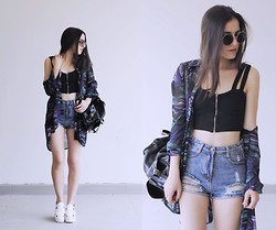 Gabriela Araujo - H&M Sunnies, Rener Top, Yesfor High Waist Denim Short, Vintage Shirt, Yesfor Leather Backpack, Sammydress Platform - Bizarre Love Triangle