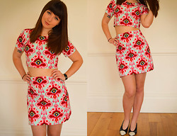 Amelia Sinnott - Cosmic Lotus (Me!) 60s Print Two Piece, Vintage Shoes - Bondye