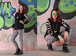 Milica Venoma - Kameleonz Sunglasses, Oasap Sweatshirt, Leggsington Leggings, Tidestore Sneakers, Romwe Necklace - A bit of print + Oasap giveaway