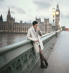 Mike Quyen - Reiss - The camel coat