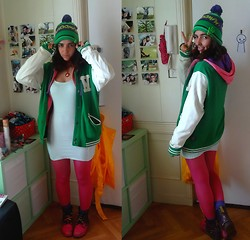 ERYK ~ - H&M Whoomph Bonnet, Pull & Bear Green Vest, Unknow Tricolor Gilet, Unknow Dress, Dr. Martens Spraid Shoes - Whoomphy whoomph.