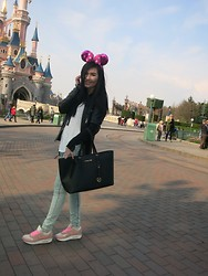 Ami B. - Michael Kors Bag, Zara Jeggings, Nike Sneakers - Take to Disneyland right now ...