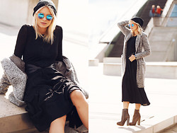 La Leonella - Goldig Belt, Ash Footwear Shoes, Drykorn Cardigan, Conleys Dress - Glassy Winter