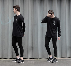 Joel Mcloughlin - Outsiders Apparel Branch Tee - O U T S I D E R S