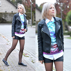Nena F. - Zara Jacket, Mr. Gugu & Miss Go Sweatshirt, Primark Shirt, New Yorker Shorts - Body art