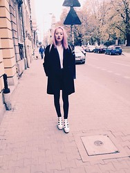 Weronika - Marella Coat, No Name; Vintage, Pull & Bear Shoes, Sequin Shoes, Trussardi Backpack - Fashion week poland and my pink hair. :3