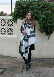 Nora Lauff - Zara Scarf, H&M Leather Pants, Zara Boots - Autumn look