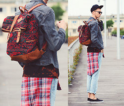 Chaby H. - Levi's® Denim Jacket, Vintage Checked Shirt, F&F Slipon, Ripped Jeans, Backpack - Colorful Autumn