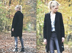 Natalia M. - Kappahl Coat, H&M Pants, Mohito Shoes, Ray Ban Sunglasses, Signora Brancelets - Black coat/