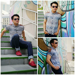 Bibo Bayona - Escada Eyewear, Folded & Hung Vintage Top, Forever 21 Slim Fit Jeans, Payless Slip Ons - Feelin Fly at Boni High