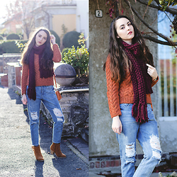 Nicoleta P. - H&M Knitted Sweater, Frontrowshop Ripped Jeans, Tally Weijl Knitted Scarf - Cold, but beautiful