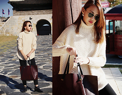 Danika Rio Navarro - H&M Leather Bag - Ivory Knit