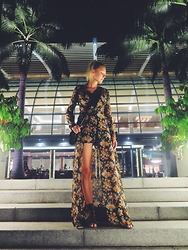 Martina M. - Missguided Romper - Singapore Nights