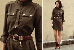 Uli C - Dressabelle Safari Shirt Dress, Shanghai Leather Oxford Boots, Vintage Oversized Buckle Belt With Chain - Attention!