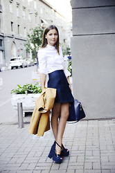 Aliona Gluhih - Carven Blue Wool Skirt, Carven White Cotton Shirt, Givenchy Blue Leather Bag, Antigona, Carven Suede Platform Sandals - Preppy time.