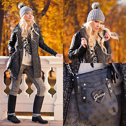 Oksana Orehhova - Vila Coat, Guess? Bag - WARM FEELING