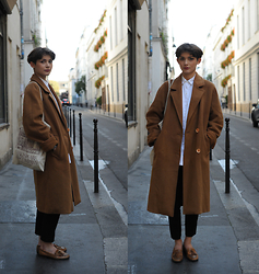 Oana Iacob - Guerrisol Thrift Shop Camel Coat, Zara White Shirt, Forever 21 Black Pants, Eden Shoes Leather, Shakespeare & Co Library Tote Bag - I