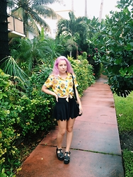 Nika N. - Windsor Smith Lollipop Sandals, Black Milk Clothing Awesome Shorties, American Apparel Sunflower Tie Up Blouse, Forever 21 Shoulder Bag - Miami jungle