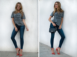 Linda Lind - 35 Mm Clothing T Shirt, Ag Jeans, Chanel Bag - Sh*t Bloggers Wear