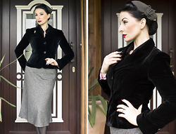 Ava Elderwood -  - Black & Grey 40s Style