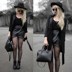 Sammi Jackson - Wholesale 7 Black Layered Coat, My Depop Hat, Choies Pleather Skort, Eldragonfly Bag - BLACK LEATHER
