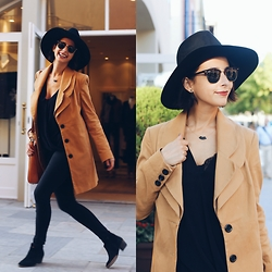 Milagros Plaza - Asos Black Fedora Hat, Asos Trench Coat, Revolve Clothing Black Cotton Blouse, Twist & Tango Black Skinny Jeans, Zara Chelsea Boots, Srta Bolitas Gold And Black Necklace - Fedora hat look