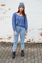 Sofie Rome - Sheinside Blue Mohair Sweater, Pull & Bear Mom Jeans, Pull & Bear Ankle Boots, Casio Watch - Blue Is the Warmest Colour