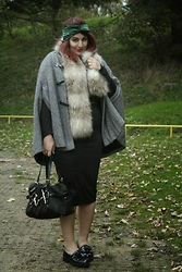 Jodie Marie Davey - Frontrowshop Cape, River Island Skirt, Gucci Bag, New Look Faux Fur, Linzi Loafers, Crown And Glory Turban - Cape