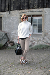 Petra Z. - Tara Jarmon Sweater, Nlst Pants, Isabel Marant Sneakers - Weekend Wear