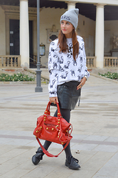 Giulia -  - Comfy days on Julibox.it