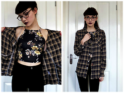Izzy Humphreys - Missguided Floral Crop Top, New Look Black High Waisted Skinny Jeans - And the sky was made of amethyst