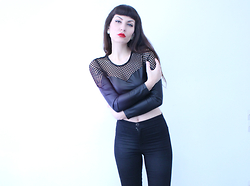 Nadia Drogouli - Freak Of Nature Top, Asos High Waisted Pants, Vintage Earrings - FELT ALONE ON A FRIDAY NIGHT