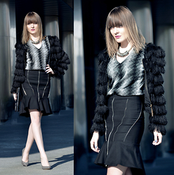 EWELYN D. - Zara Skirt, Choies Jacket - Black & Elegant business look