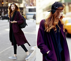 Ebba Zingmark - Monki Coat, J Brand High Waisted Stretch Denim Jeans, Vans Slip On Shoes, Junkyard Xx Xy Hat, Fjällräven Kånken Backpack, Urbanears Headphones - Streets of Manhattan