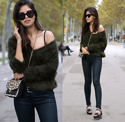 Adriana Gastélum - Reiss Leopard Crossbody, Céline Sunnies - Shades of green