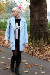 Susan Dollparts - Missguided Coat, Boy London Oversized Shirt, Ebay Boots - It´s getting cold