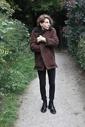 STYLE Solace - Shearling Jacket, Cheap Monday Skinny Black Jeans, Loake Brogue Boots, Cos Socks - Autumn Walks 2 | The Beginning Of Those Colder Days