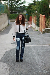 Le Balzi . - Bershka Shirt, Lee Jeans, Irong Shoes - Gisar Lifestyle