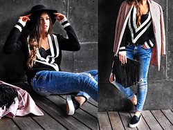 INGRID BETANCOR - Sheinside Boyfriend Sweater, H&M Lace Top, Bershka Ripped Skinny Jeans, Mango Slippons, Stradivarius Black Fedora Hat, Sheinside Pale Pink Coat, H&M Suede Fringed Clutch - Keep it simple!