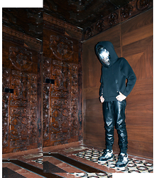 His Love Of Fashion Blog - Alexander Wang X Hm, Zara Faux Leather Tracksuit, Kenzo Sneakers - Black knight -more on #hisloveoffashion.blogspot. com