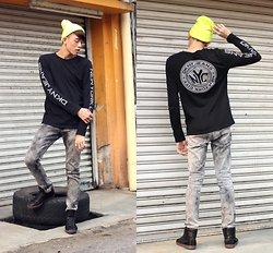 MR.BRIAN SEE - Dkny Jeans Sweater, Puma Sneakers - REFLECTOR