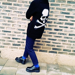 Mushroooooom H - Bape Mastermindjapan×Bape Cardigan, Uniqlo Denim Pants, Dr. Martens Black Dr.Martens Shoes - Black&blue