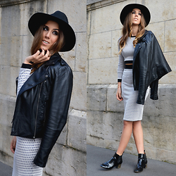 Alison Liaudat - Skirt : Coordinated Set, Top Coordinated Set, Leather Jacket, Chelsea Boots - Matching separated