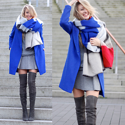 Leonie Hanne - Zara Scarf, Zara Knit, Zara Skirt, Zara Overknees - Winter Blues
